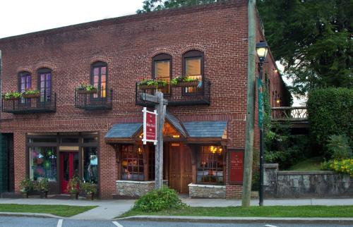 The White Birch Inn, Rabun