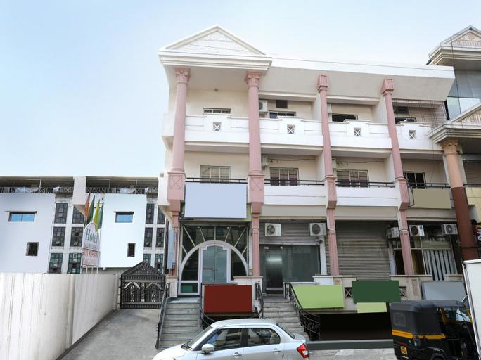 OYO 12049 Hotel Ravi Kiran Executive, Aurangabad