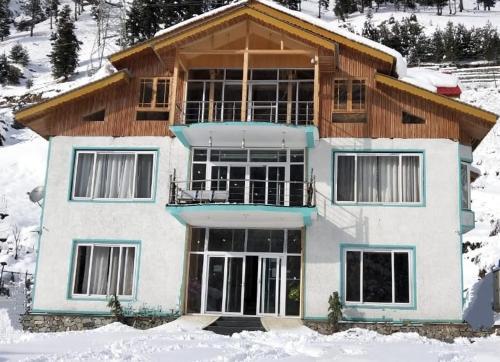 Hotel Snow heights And Restaurant, Ganderbal