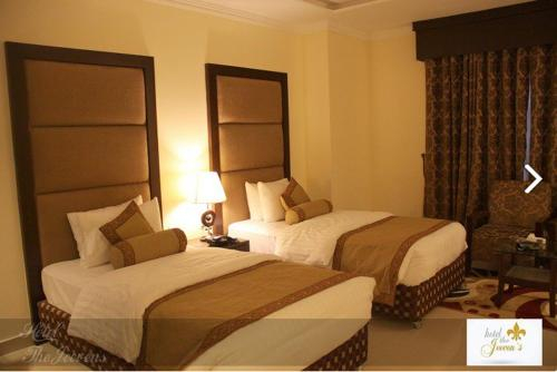 Hotel the Jeevens, Gujranwala