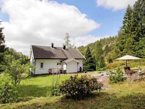 Holiday home Kvas, Lyngdal