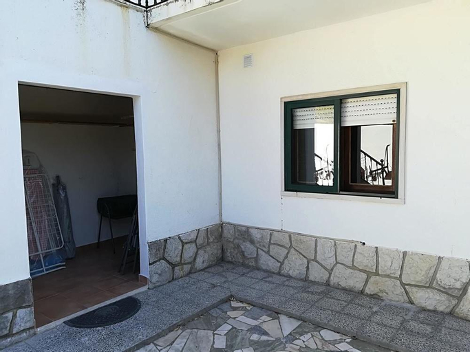 House With 2 Bedrooms in Sesimbra, With Wonderful Mountain View, Enclo, Sesimbra