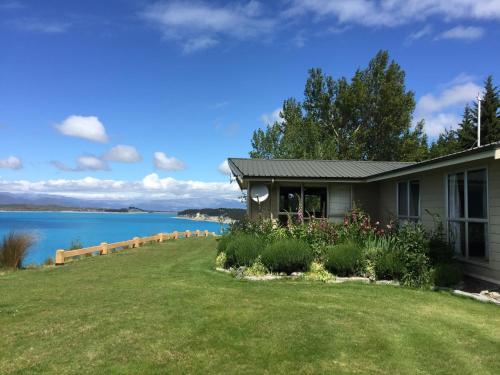 Pukaki Lakeside Getaway NZ, Mackenzie