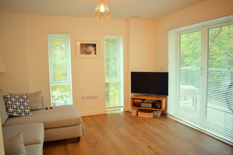 1 Bedroom Apartment in Mile End, London