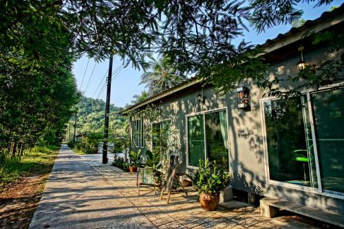 PD Guesthouse, K. Ko Kut