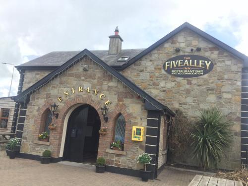 The Fivealley Inn,
