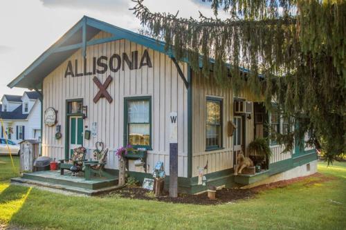 Whistle Stop Inn Cabin, Pulaski