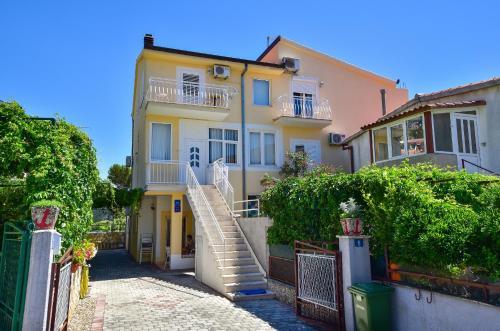 Apartmani Ruza, Makarska