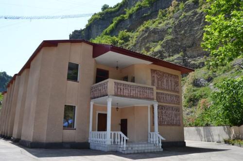 Hotel Nikoli, Chiatura