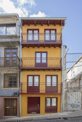 Liiiving in Porto Downtown Cosy Suites, Porto