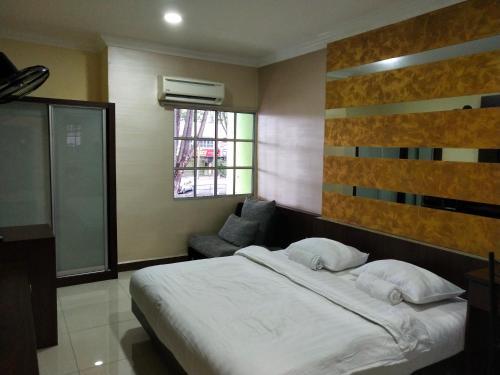 Home, Manjung