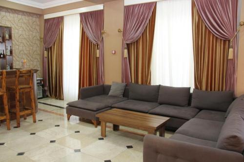 Bagchali Hotel, Dəvəçi