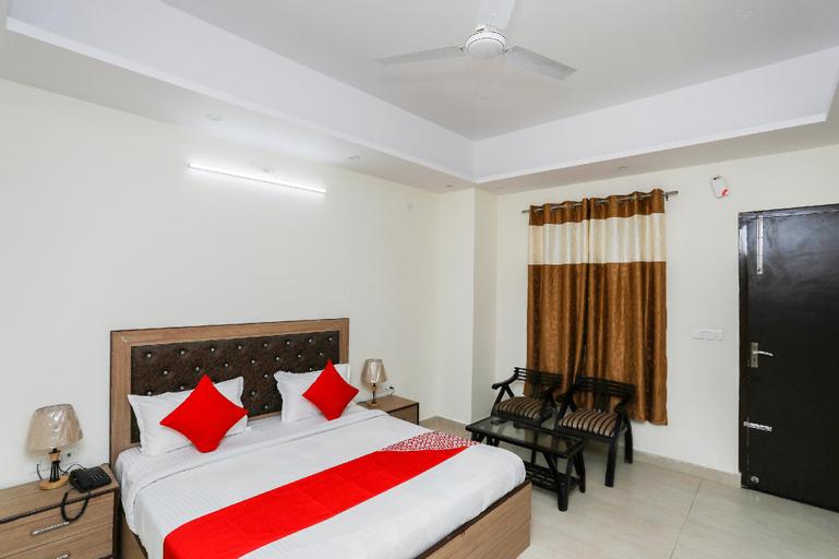 OYO 35511 Hotel Park View, Rohtak
