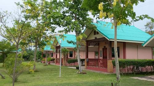 โรงแรมชุมแพลากูน&รีสอร์ท, Chum Phae