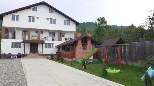 Casa Trache, Calimanesti