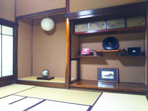 ゲストハウス『古民家の宿 梨 本 軒』, Takayama