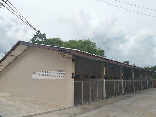 Triple S House at Laem Ngop, Laem Ngop