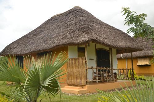 Hornbill Bush Lodge, Nwoya