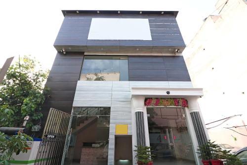 OYO 15771 4 Season Hotel, Meerut