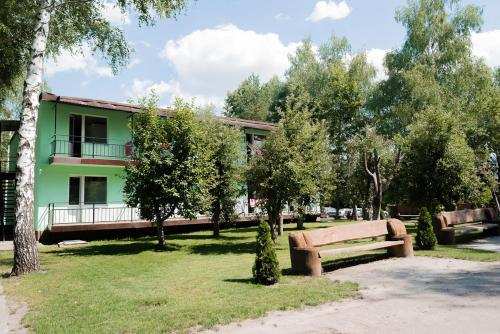 Hotel Forest Lakes, Vovchans'kyi