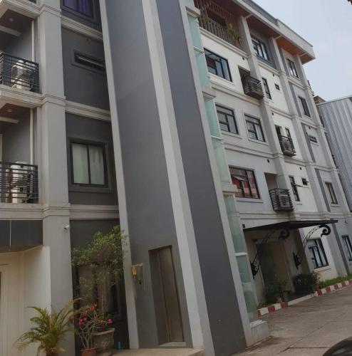 Mai Lao Apartment, Sikhottabong