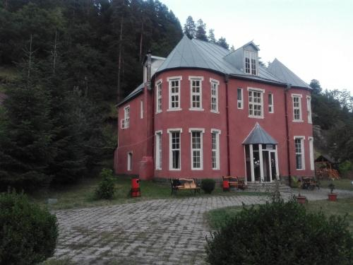 Hotel Kapa Abastumani, Adigeni