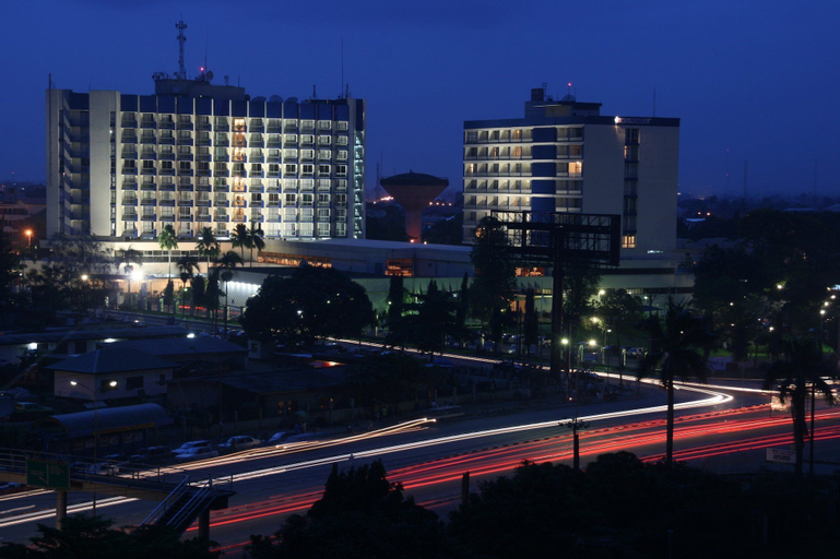 Presidential Hotel, Obio/Akp
