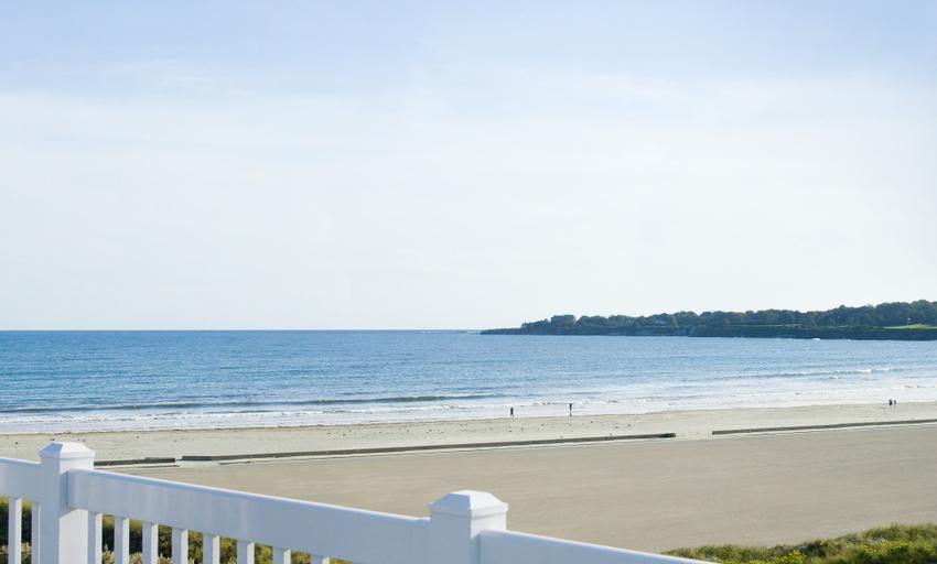 Newport Beach Hotel & Suites, Newport
