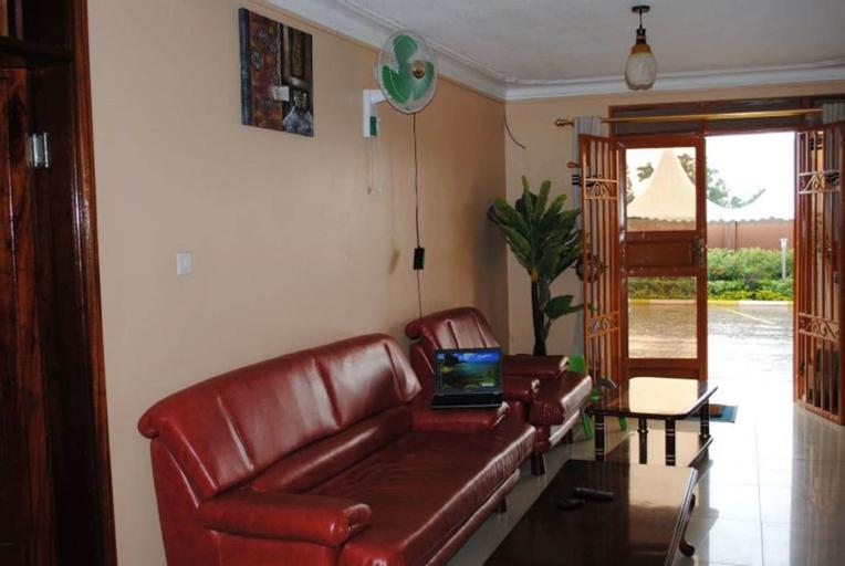 Prime Rose Hotel, Buwekula