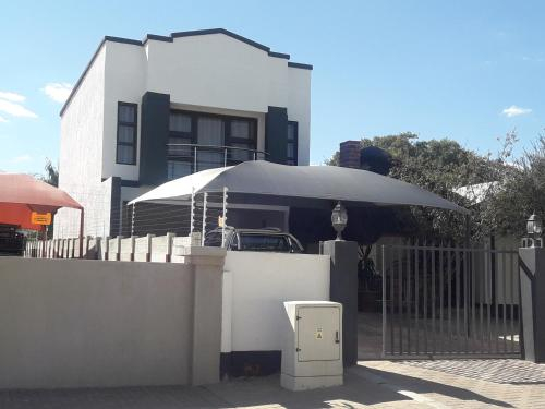 MR W RESIDENCE, Otjiwarongo