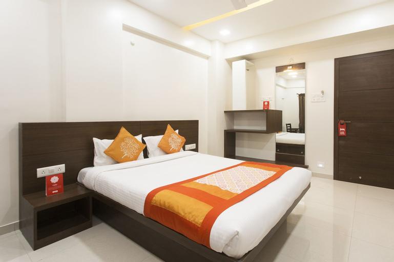 OYO 10352 Hotel Vishwas, Pune