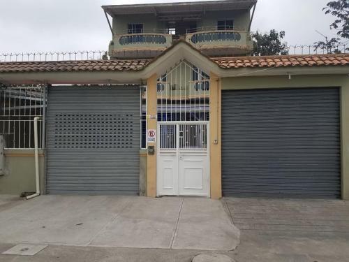 Hostal Al Paso- La Troncal, La Troncal