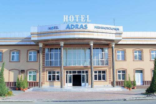 Hotel Adras, Toshloq