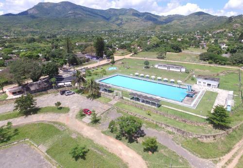 Piscina Olimpica de Manica Guesthouse, Sussundenga