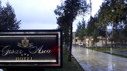 Gisar Asia Hotel, Koson