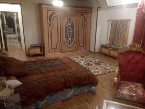 Nile Cornic borg Motaz, Al-'Ajuzah
