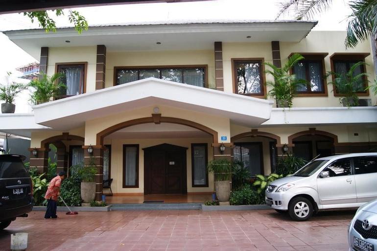 Hotel Grand Sumatera, Surabaya