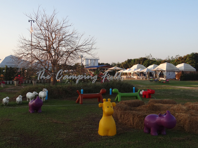 The Camping Field, Suan Phung