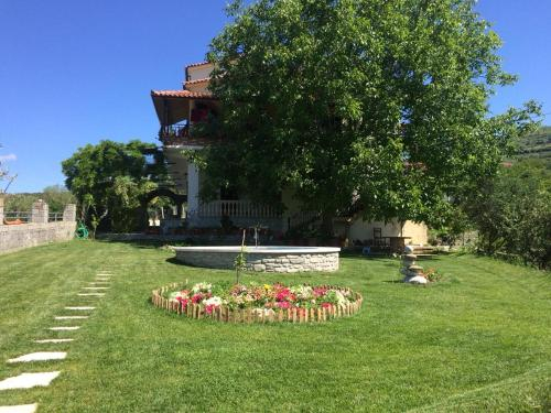 Agrotourism & Winery Alpeta, Beratit