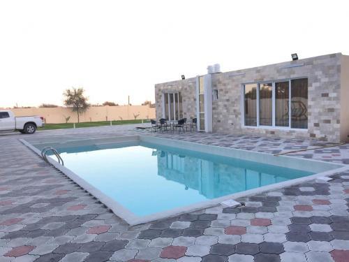 Al Barakah Chalet, Saham
