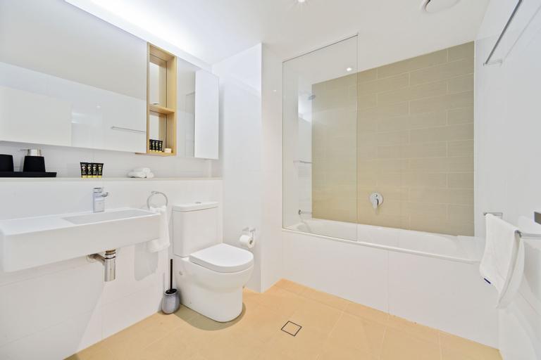 HomeHotel-Spacious Luxury Apt Next to Shopping, Ryde