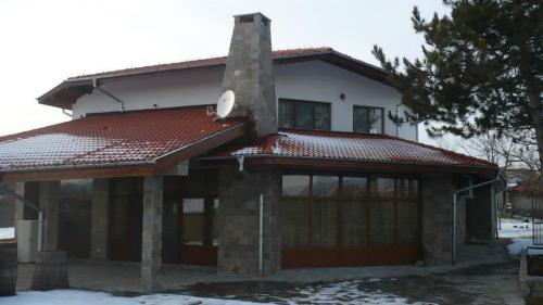 Вила Дъбовец, Lyubimets