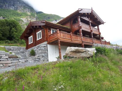 Fjord Home Olden, Stryn