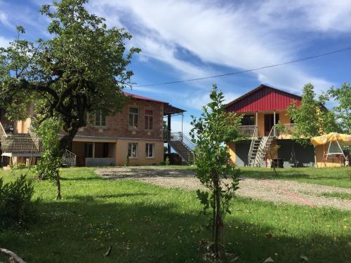 Gordi Guest House, Khoni