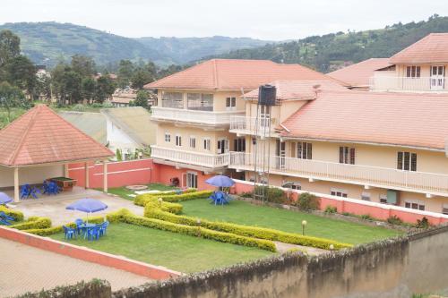 Gorilla hilltop hotel, Kabale
