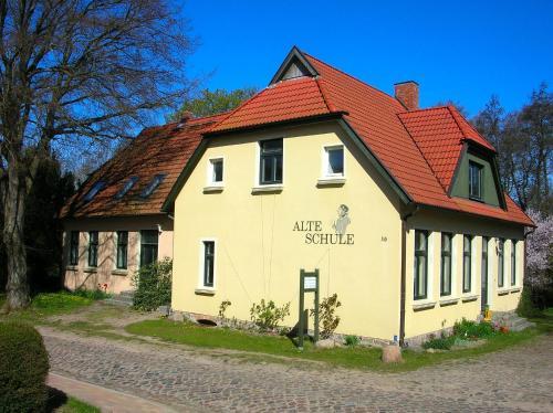 Alte Schule Mechelsdorf, Rostock