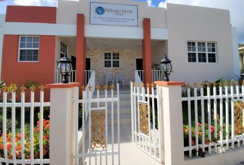Golden Gates Inn,