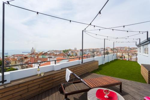 Historic Center Apartments Stunning Rooftop, Lisboa
