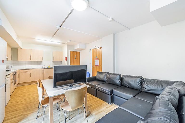 New Cross Gate 20 · Appealing Room Near Margatet Mcmillan Park, London