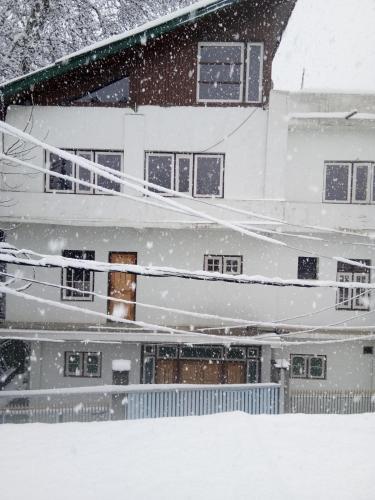BG's White Residential Home, Anantnag